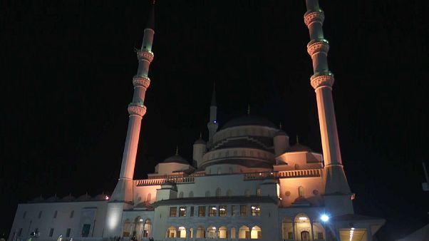 İslam dünyası, Ramazan Bayramı'nı kutluyor