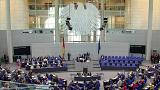 Merkel tenta evitar crise na coligação