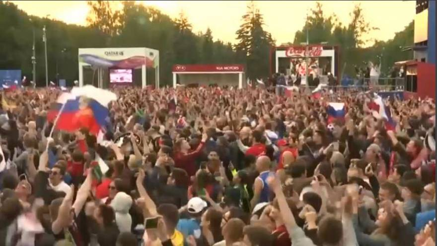 Mondiali: russi in piazza dopo la cinquina ai sauditi