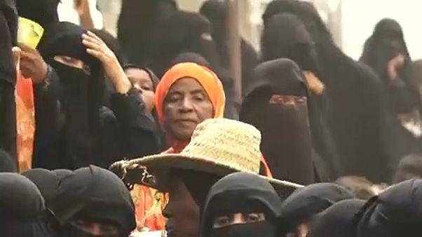 Jemen: egyre közelebb ér az ostrom Hudajda kikötőjéhez