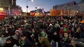 Megszavazta az abortusz könnyítését az argentin kongresszus