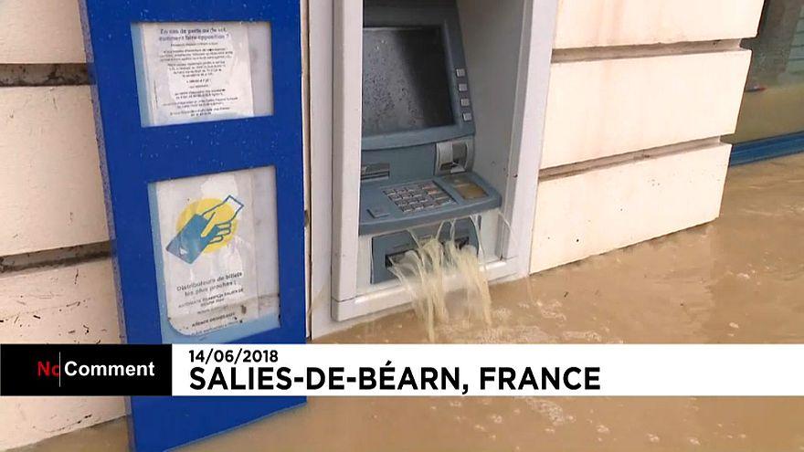 Inondations en France : le Béarn sous l'eau