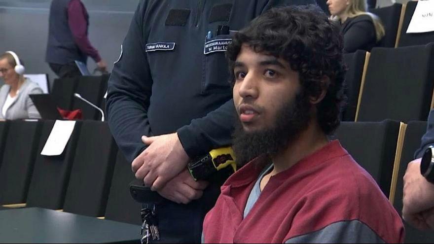 السجن المؤبد لمغربي نفذ هجوماً إرهابياً بالسكين في فنلندا