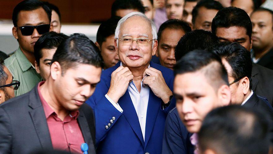 Malezya eski başbakanı Rezak'a kara para aklama suçlaması
