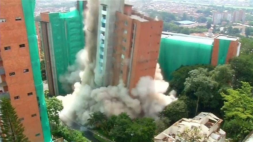Edifício de 54 metros teve de ser implodido