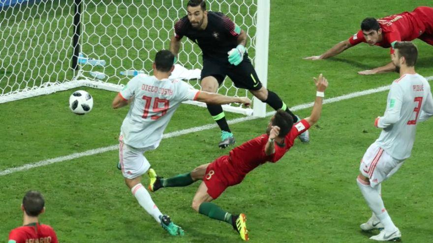 رونالدو يحرز أول ثلاثية في المونديال ويمنح التعادل لفريقة أمام اسبانيا