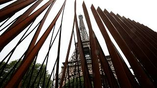 Paris erects Eiffel Tower anti-terror walls