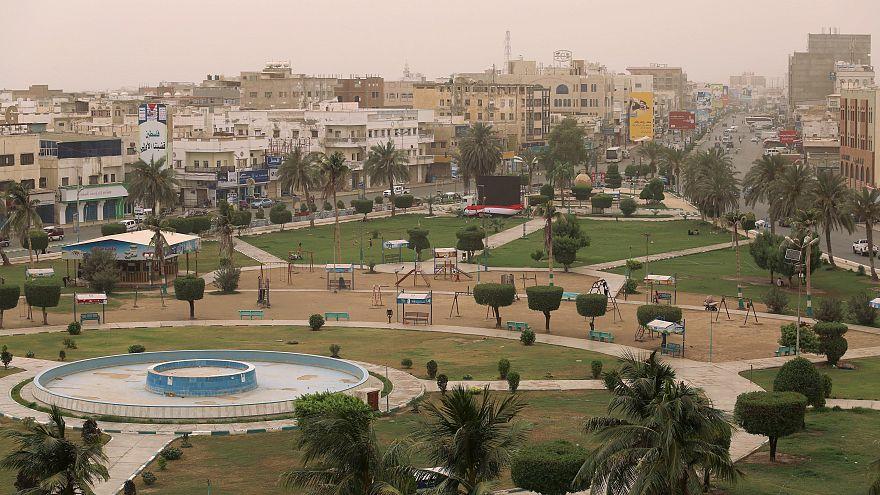 الجيش اليمني مدعوماً بالتحالف العربي يستعيد مطار الحديدة من الحوثيين