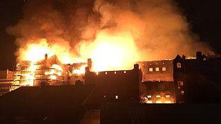 Καταστροφική φωτιά σε ιστορικό κτίριο της Γλασκώβης