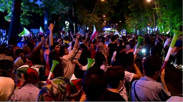 شادی در خیابانهای تهران پس از برد تیم ملی فوتبال برابر مراکش در جام جهانی