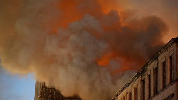 Incêndio volta a devastar Escola de Artes de Glasgow
