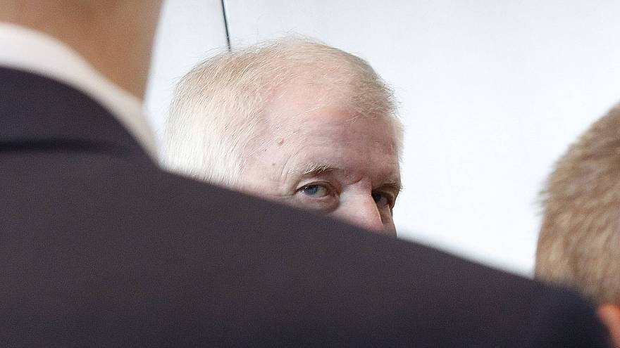 فضائح المخالفات تعجّل بإقالة رئيسة مكتب اللجوء والهجرة بألمانيا