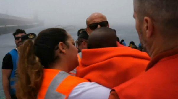 فرق الإغاثة الاسبانية تنقذ 933 مهاجرا في عرض المتوسط