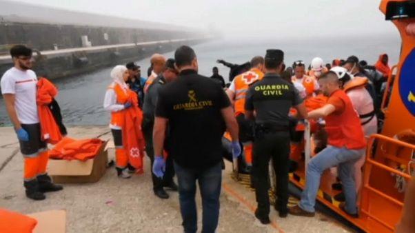 Spanien: Mehr als 900 Migranten geborgen - vier Tote