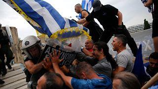 Χημικά και επεισόδια στο συλλαλητήριο για τη Μακεδονία