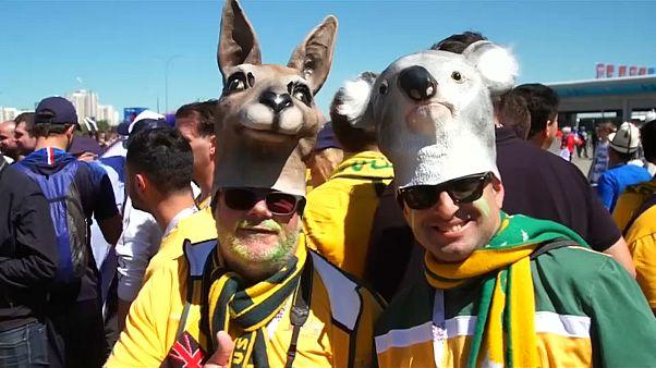 Казань: французы - с флагами, австралийцы - с кенгуру