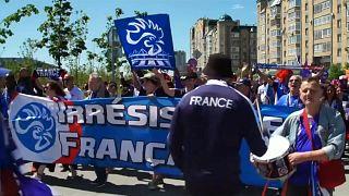 Les Bleus and Socceroos' fans mingle