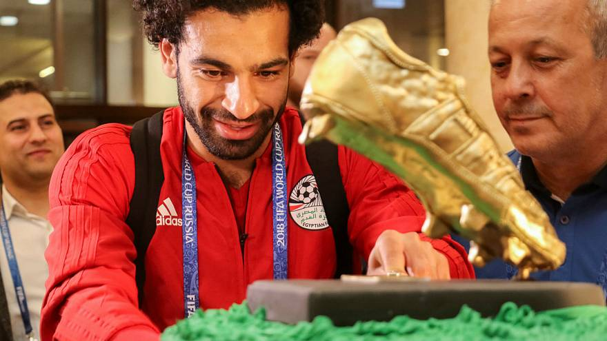 Chechen football fans give Salah 100kg birthday cake