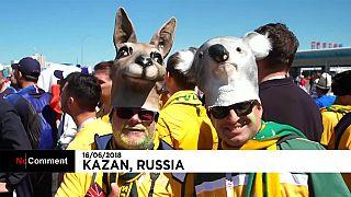 Convivencia festiva de las aficiones francesa y australiana en Kazan