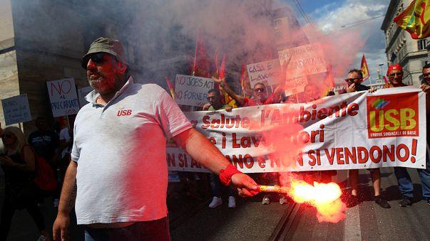 Αποτέλεσμα εικόνας για Διαδηλώσεις στην Ιταλία μετά την δολοφονία μετανάστη