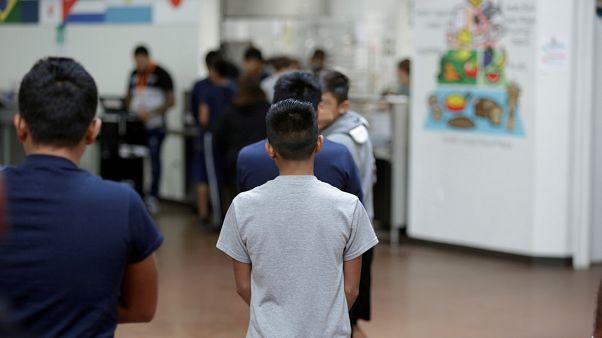 Milhares de crianças separadas dos pais na fronteira EUA - México