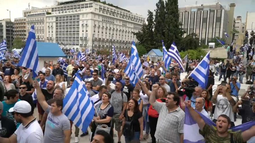 Atene, manifestazione contro l'intesa sulla Macedonia
