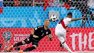 Cueva también falló, Perú pierde ante Dinamarca (0-1)