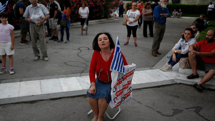 Греки требуют отставки Ципраса из-за тайного соглашения с Македонией