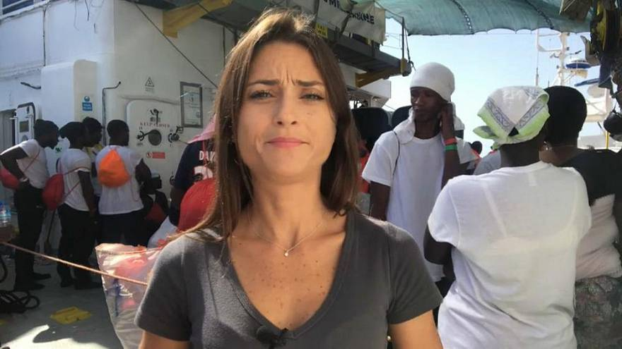 Euronews-Korrespondentin LIVE vom Flüchtlingsschiff Aquarius bei Ankunft in Valencia