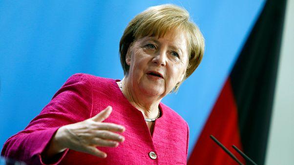 Mülteci krizi Merkel'in 14 yıllık iktidarını sona mı erdirecek?