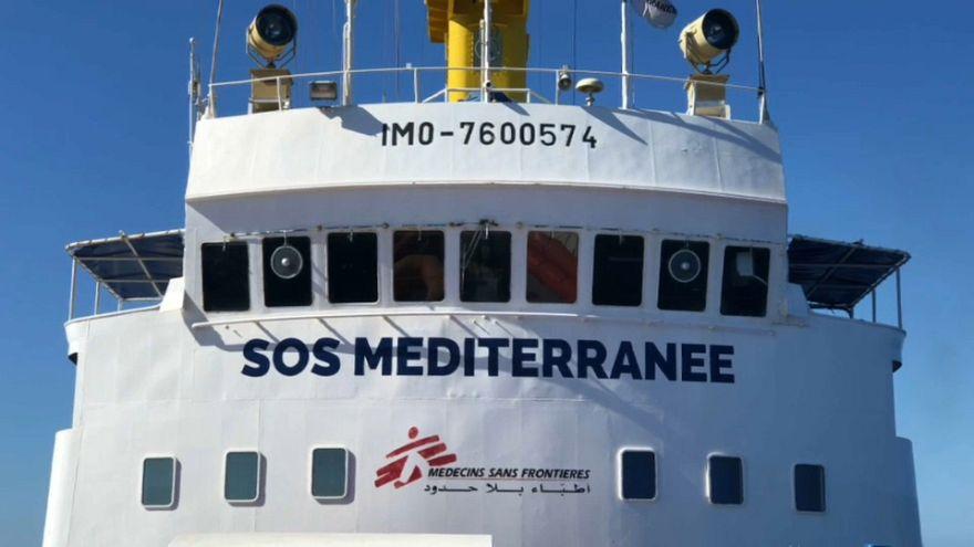 Aquarius, la nave dei migranti è arrivata a Valencia