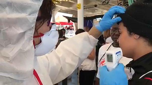 Médicos espanhóis fazem primeira triagem no Aquarius
