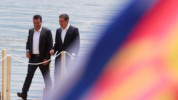 Aláírta Athén és Szkopje a névvitáról szóló megállapodást