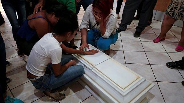 Nicaragua: Familie verbrennt in ihrem Haus