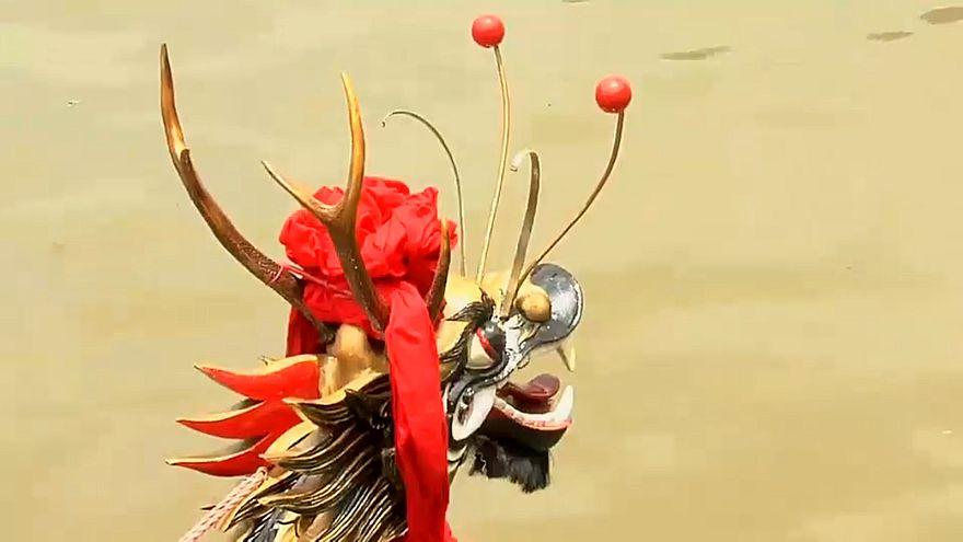 مهرجان قوارب التنين بالصين تجسيد للتضامن وروح الجماعة