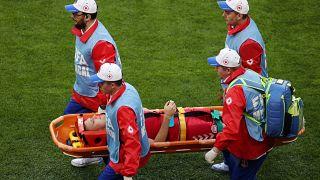 أول إصابة خطيرة في المونديال تغيب لاعب وسط الدنمارك وليام كفيست