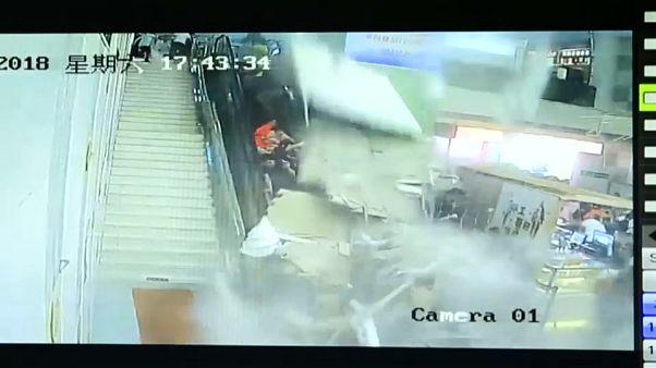 Colapsa el techo de un centro turístico chino