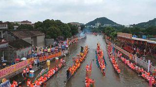 """Chineses celebram Festival anual do """"Barco-Dragão"""""""