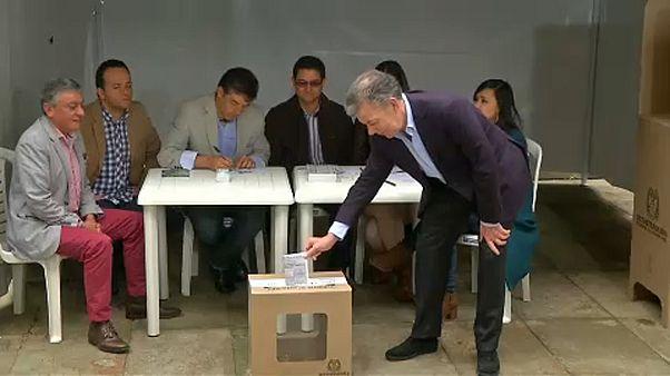 Kolumbia elnököt választ