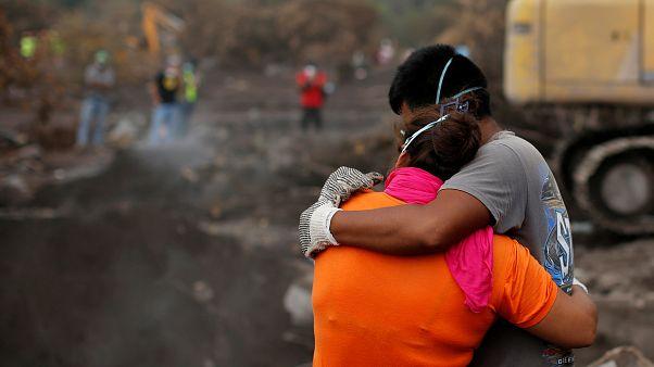 Guatemala suspende la búsqueda en las faldas del Volcán de Fuego