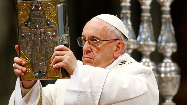 Papa kürtajı Nazilerin soy ıslahına benzetti
