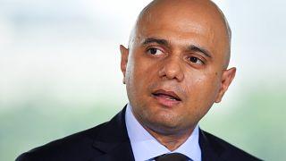 """وزير الداخلية البريطاني: """" لصوص على دراجة نارية سرقوا هاتفي المحمول"""""""
