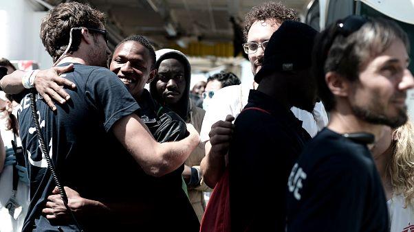Las ONG arremeten contra Europa por su gestión de la crisis del Aquarius