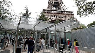 جدران زجاجية مضادة للرصاص والهجمات الصاروخية لحماية برج إيفل