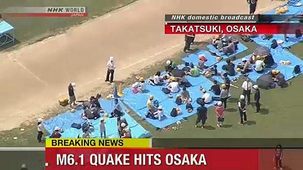 Földrengés Oszakában, három halott