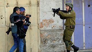 Görev başındaki İsrail askerlerini görüntülemek yasaklanıyor
