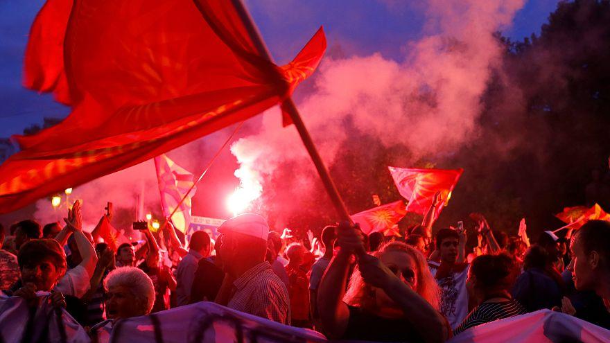 "Gewaltsame Proteste gegen ""Republik Nord-Mazedonien"""