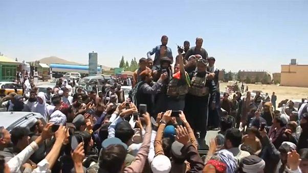 """طالبان غاضبة من أعضائها بسبب صور """"سيلفي"""""""