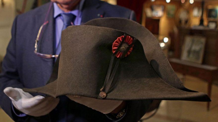 Napolyon'un savaş şapkası 350 bin Euro'ya satıldı