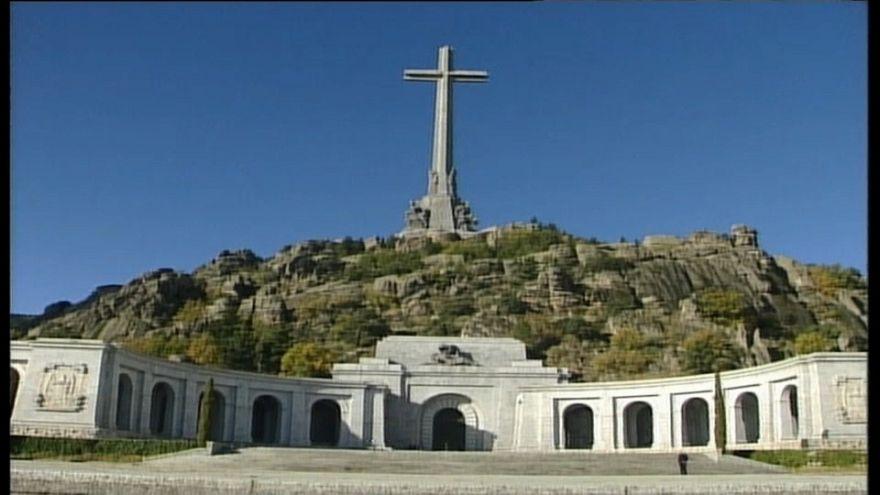 Spagna, presto i resti di Franco rimossi dal mausoleo di Valle dei Caduti